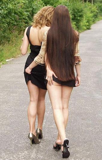 Сексуальные девушки на улице