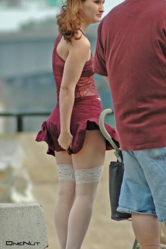 фото девушек в мини юбках трахают